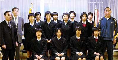 三条東高等学校制服画像