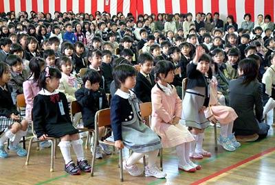 入学 女の子 小学校 式