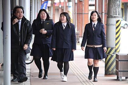三条商業高等学校制服画像